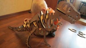 Сборка динозавра из фанеры - лазерная резка, изготовление игрушек