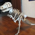 Собранный динозавр из фанеры , вырезанный на лазерном оборудовании