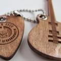 Лазерная резка и гравировка - гитара и медиатор с логотипом
