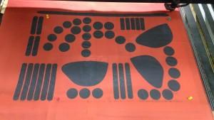 резка ткани лазером